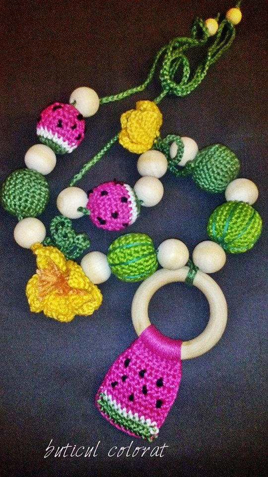 Babywearing necklace, crochet beads, nursing necklace, breastfeeding, watermelon, eco-friendly, baby-toy by ButiculColorat on Etsy