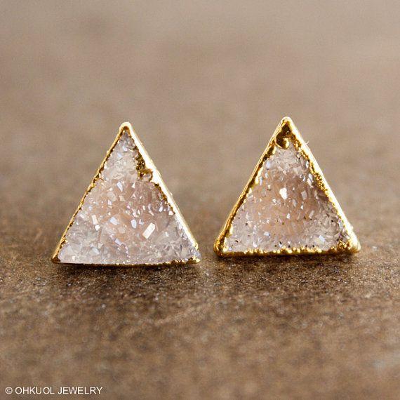 Here is a pair of beautiful and versatile vanilla agate druzy quartz pyramid stud earrings, set on 14K GF posts. Each druzy gemstone takes on a triangular