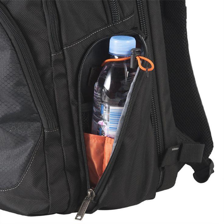 사이다 포켓은 편리하게 사용할 수 있도록 허리 높이에 위치하며 물병 또는 음료를 안전하게 보관할 수 있습니다. 또한 작은 소품도 보호될 수 있도록 고품질의 지퍼를 사용하였습니다.
