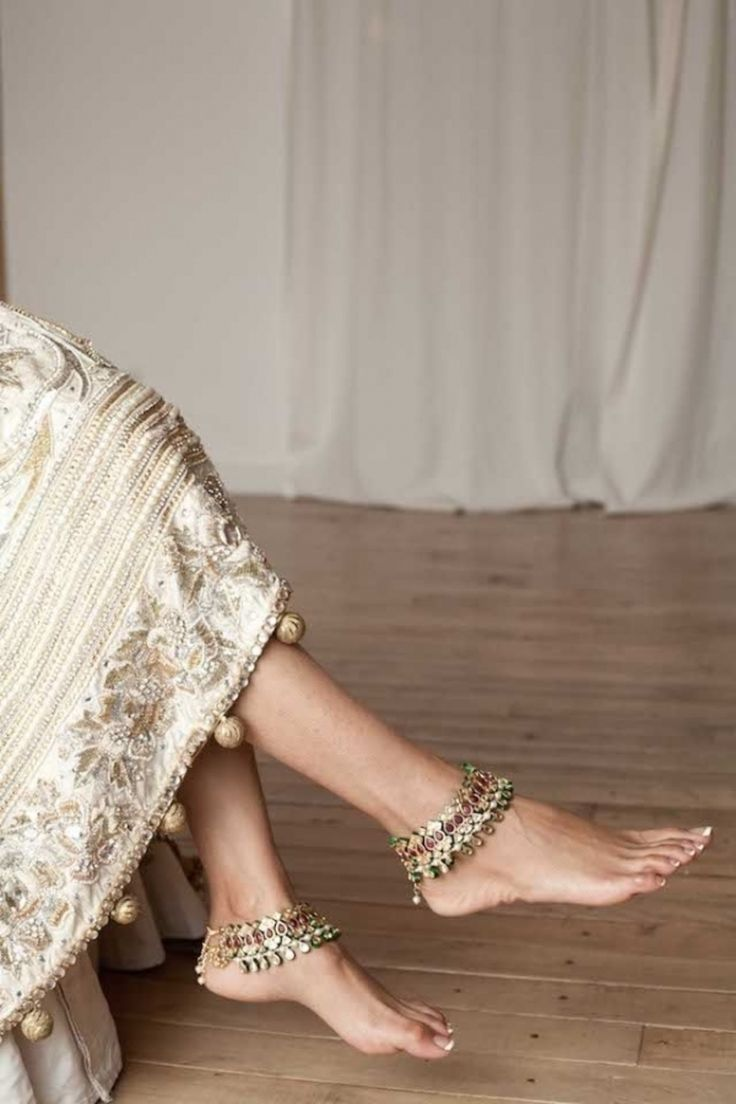 5. #Anklets - 20 Stunning Indian #Wedding #Outfits ... → Wedding [ more at http://wedding.allwomenstalk.com ]  #Outfit #Gold #Look #Bridal #Stunning
