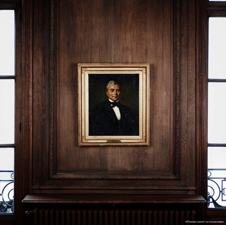 M. Eugène Riffault, Censeur de la Banque de France, et le Général Edmond Riffault, Directeur de l'Ecole Polytechnique, ont créé en 1844 Les Associations Mutuelles Le Conservateur. Ce portrait d'Eugène Riffault se trouve au siège du Conservateur, rue de la Faisanderie à Paris.