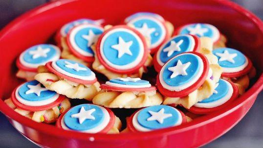 Super cute Captain America cookies