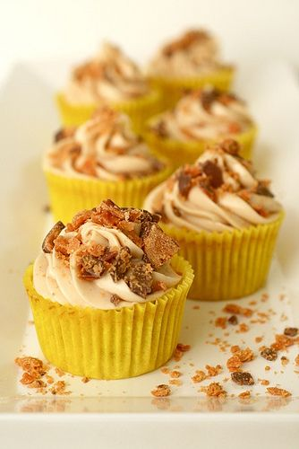 Butterfingers cupcake