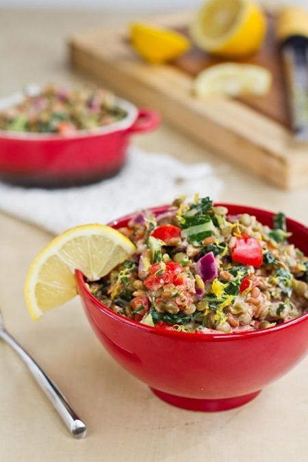 Vegan: lentils, spelt/rice, onion, garlic, tomato, pepper, spinach/kale, parsley, lemon, salt, pepper, tahini, EVOO.