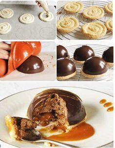 Découvrez notre recette de DOME CARAMEL CHOCOLAT  coques chocolat :   100g de chocolat noir   ganache caramel :   200g de sucre   160g de crème liquide   10g de miel   60 g de beurre   mousse au chocolat :   100g de chocolat   3 oeufs   daquoise :   2 blancs d'oeufs   20 g de sucre semoule   50g de sucre glace   60g de poudre d'amandes    moules en forme demi-sphères .