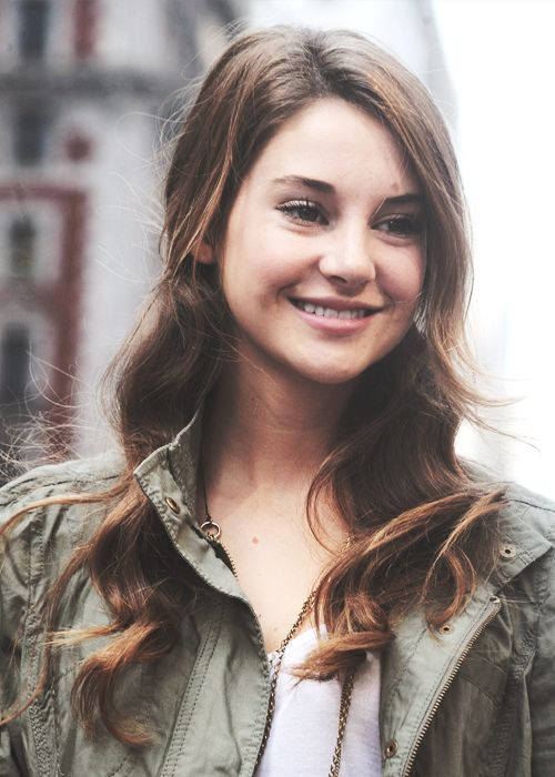 ((FC: Shailene Woodly)) Hi, I'm Mia Shea. I come from the streets of Carolina. I am from caste 8 so I take whatever jobs I can get. I am a little shy, but I like to make friends. I like to be outside except when it's cold. I have on brother he is older than me. I don't remember my parents. I am very open so ask me anything.