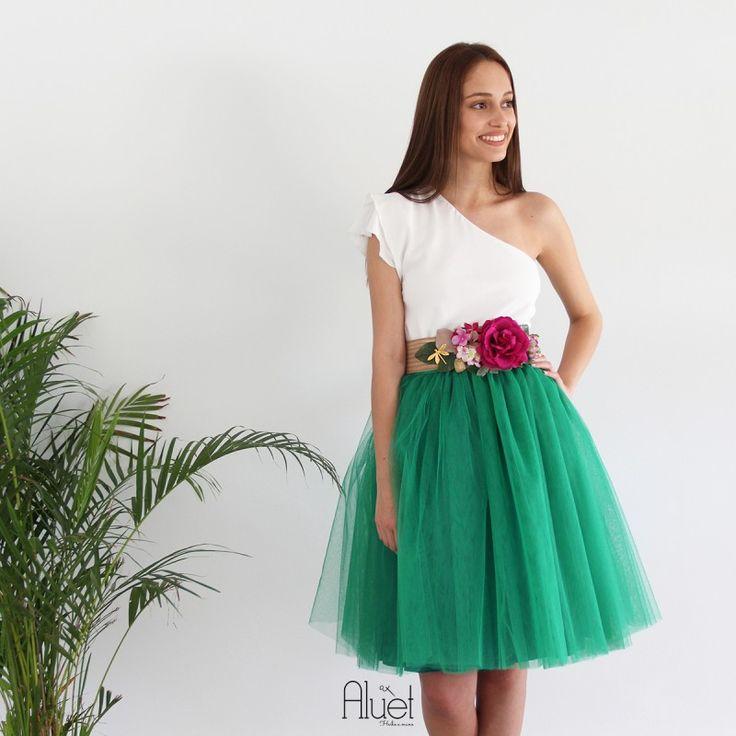 Falda de tul tipo Carrie en color verde hecha a medida y confeccionad a mano en Galicia