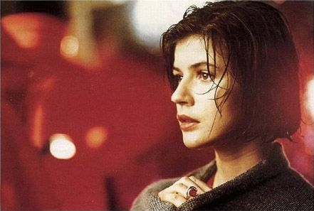 """Red"", (Irene Jacob). the third film of the Three Colors trilogy. Director: Krzysztof Kieslowski (1994)"