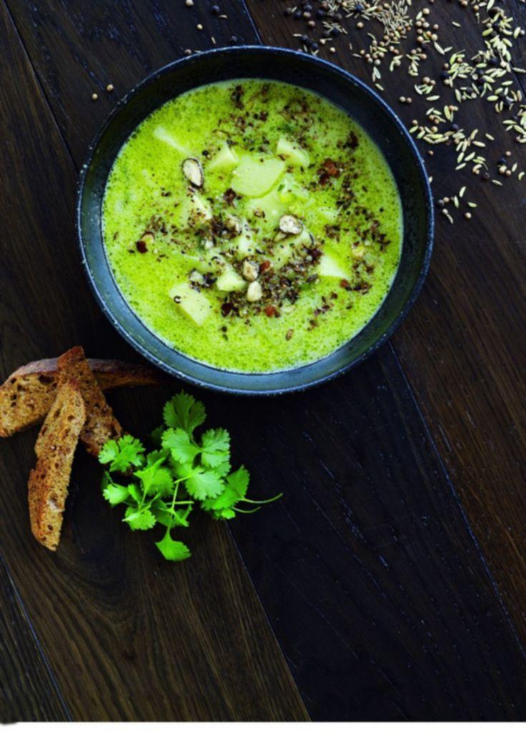 Cremet kartoffel-porre suppe med dukkah - www.sæson.dk