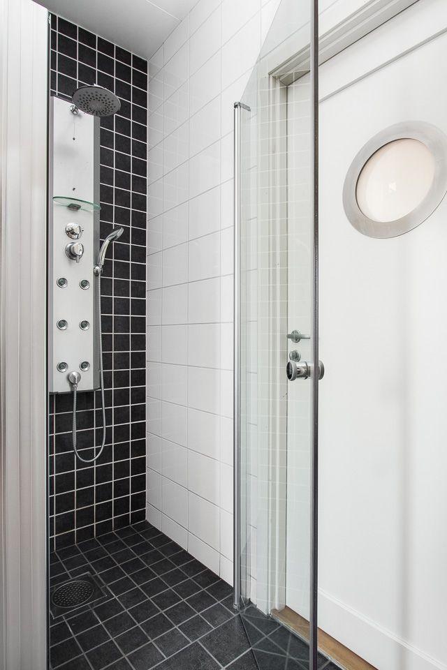 Schyst dusch på Ängsflyvägen 13 - Halmstad.