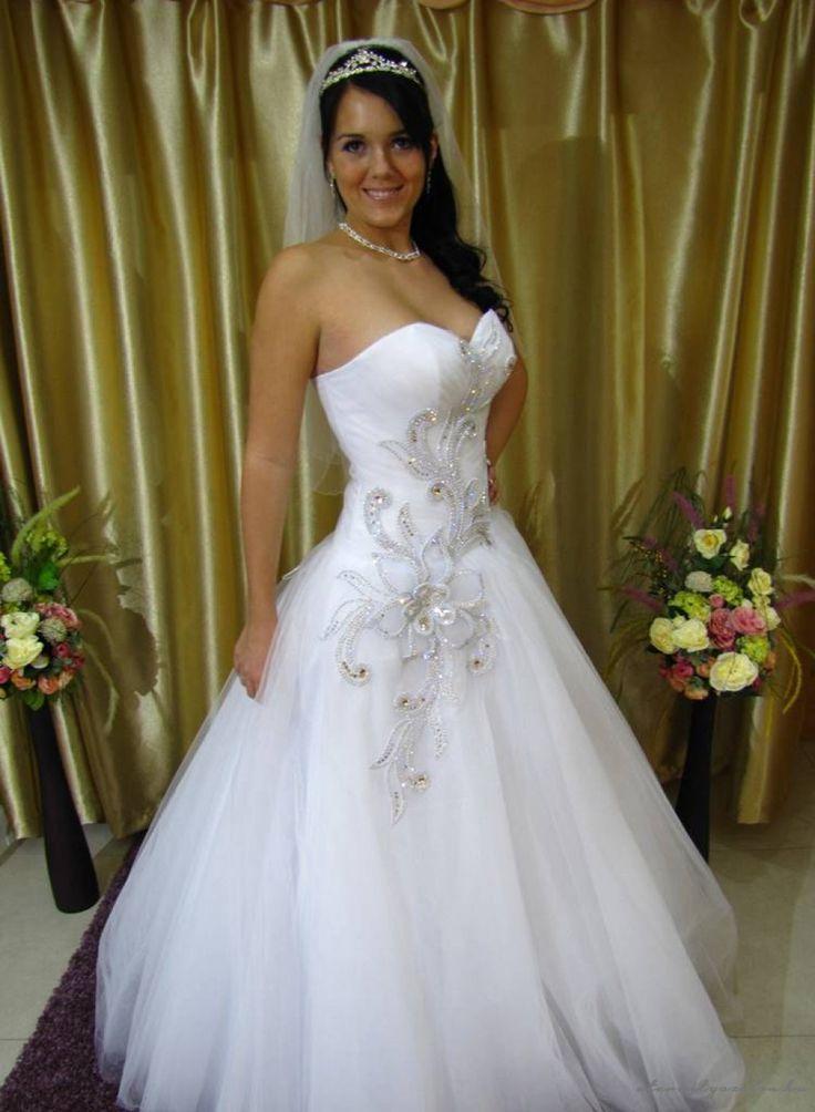 Ivett tüll menyasszonyi ruha