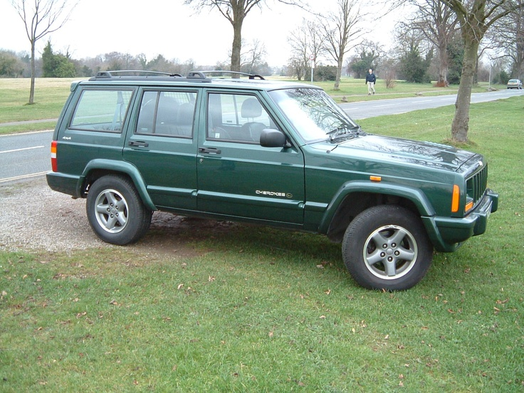 Jeep Cherokee XJ in dark green (second choice of color