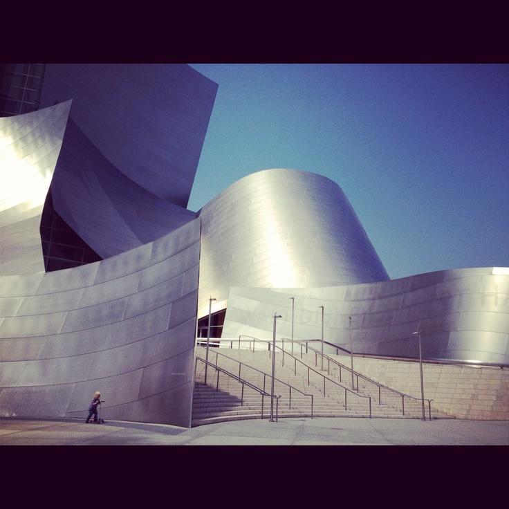 Go Frankie Go!  In Front of Disney Concert Hall, Los Angeles
