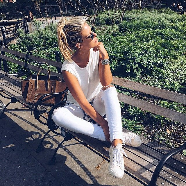 Natasha Oakley is casually cool in her J BRAND 9326 Cropped Skinny in Demented. #InMyJBRAND