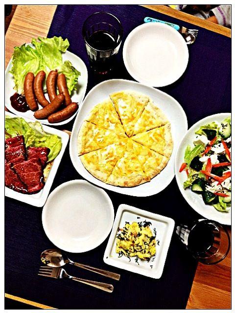 出来合いのお惣菜で。息子と2人で楽しみました。 - 6件のもぐもぐ - ぶどうジュースでボジョレーパーティ☆ by sanae