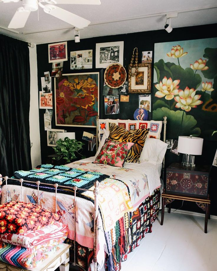 20 Maximalist Interior Design Ideas - How Maximalism Is Replacing Minimalism In Home Décor