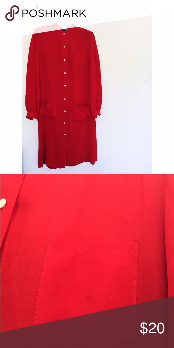 💋 Vintage Red Silk Dress Vintage Betsy Gonzalez Silk Dress ❤️ works great by itself or with a belt. There's a small stain on the chest pocket, and a few more on the hem, but very small. It's labeled size 7/8. Belt not included. Vintage Dresses Midi
