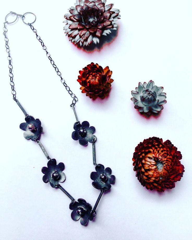 Flores negras!!! #jewellery #joyeriacolmbia