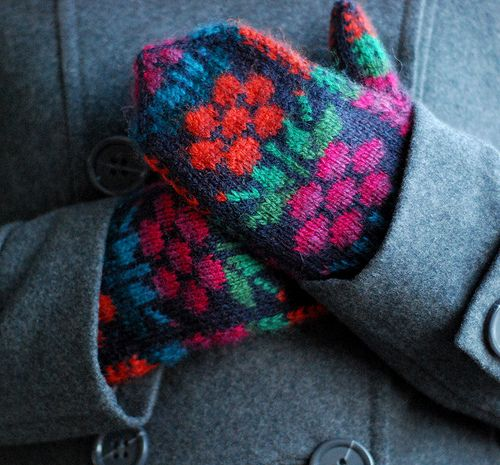 Kainuu Mittens by IgnorantBliss, via Flickr