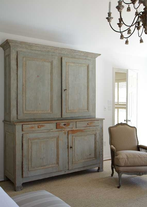 ... love chalky Gustavian colors