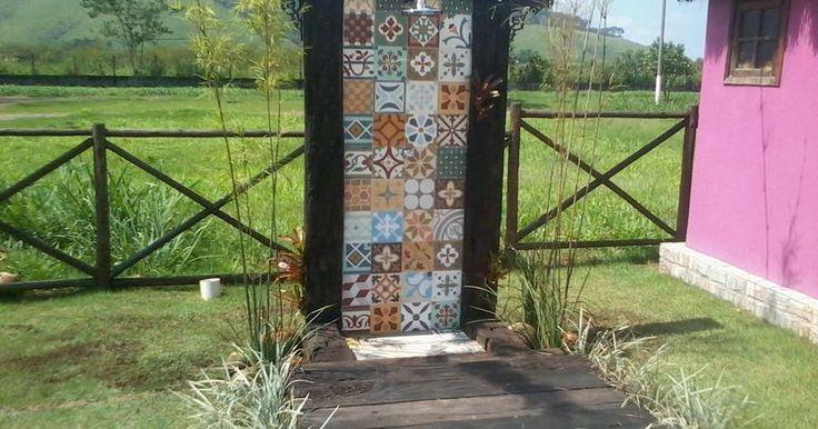 Ducha com azulejo
