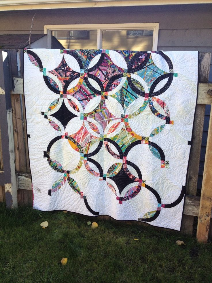 jehnny and the boys double wedding ring quilt love this modern take on a double - Wedding Ring Quilts