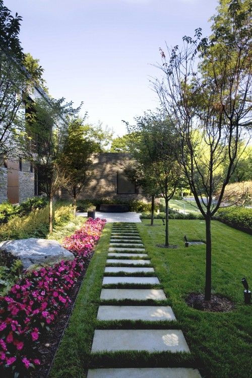 Landscaping Ideas For Uneven Yard : Flower bed edging ideas i like the giant pavers less opportunity to trip and stumble on