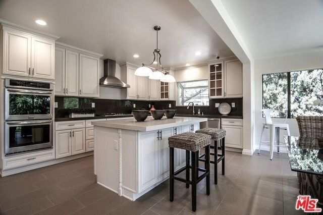 11346 THURSTON PLACE, LOS ANGELES, CA 90049 — Real Estate California