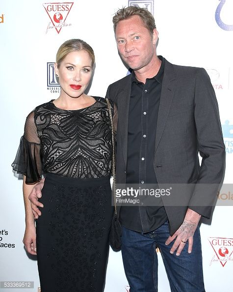 HOLLYWOOD, CA - MAY 21: Christina Applegate and Martyn LeNoble... #montfortlerotrou: HOLLYWOOD, CA - MAY 21: Christina… #montfortlerotrou