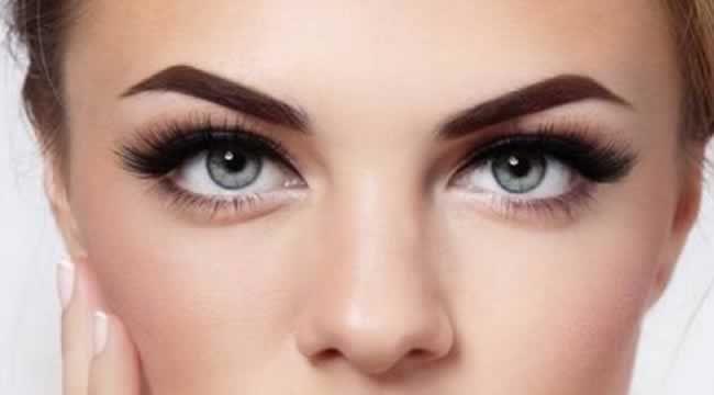 Como realçar as sobrancelhas para ficarem perfeitas? Maquiador Duda Molinos deu cinco dicas >> http://blogetcetera.com.br/2017/01/05/quer-realcar-as-sobrancelhas-veja-05-dicas-do-duda-molinos/