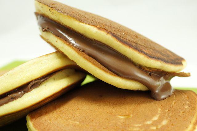 http://cucina.fanpage.it/dorayaki-alla-nutella-la-ricetta-per-una-merenda-golosa-foto-guida/