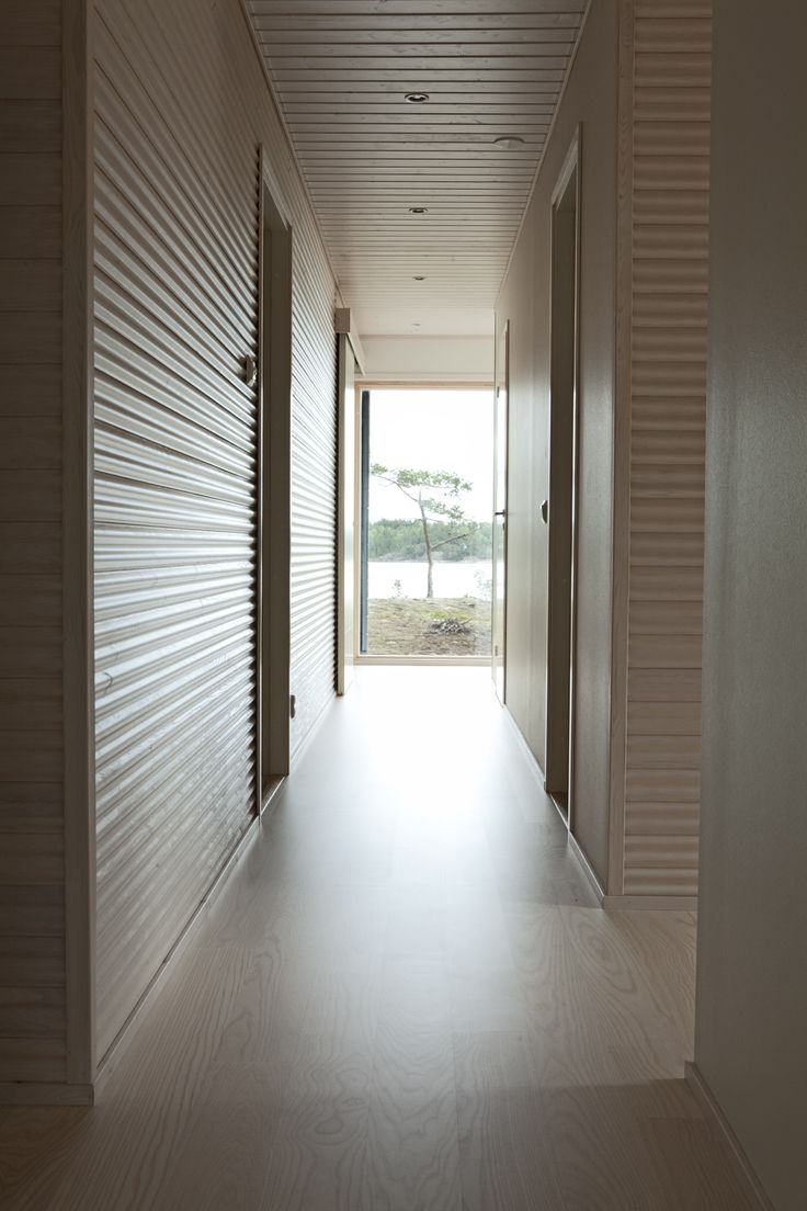 Sunhouse hallway with a sea view. www.sunhouse.fi