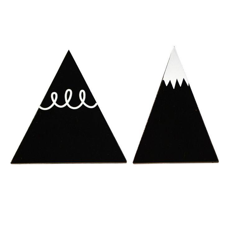 Houten muurhaakjes zwarte bergen