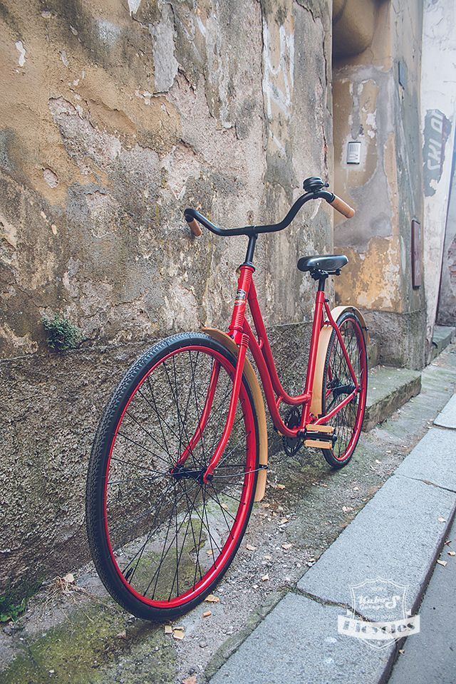 Wooden Lady Classic Bicycle - Czechoslovakian lady's bicycle Velamos design by Kubo´S Garage