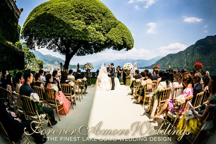 Lake Como exclusive weddings. Ceremony at Villa Balbianello, Lake Terrace, under the famous giant oak tree. Picture by Flavio Bandiera, event by ForeverAmoreWeddings ©