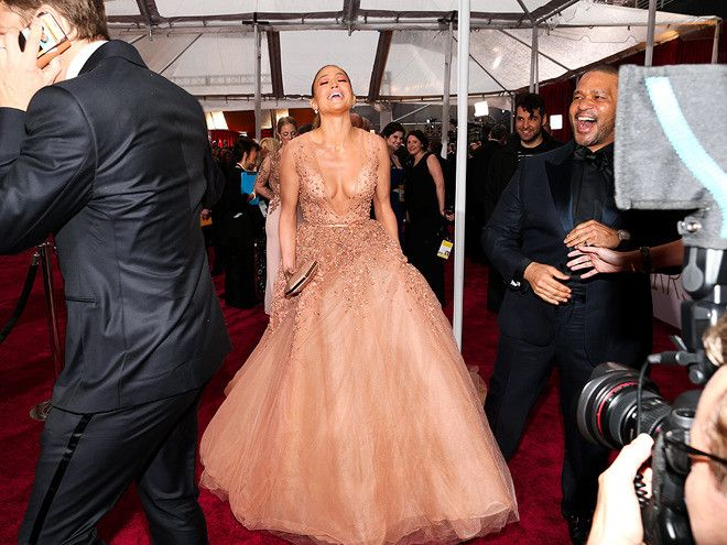 Oscars 2015: 16 Important Red Carpet Moments