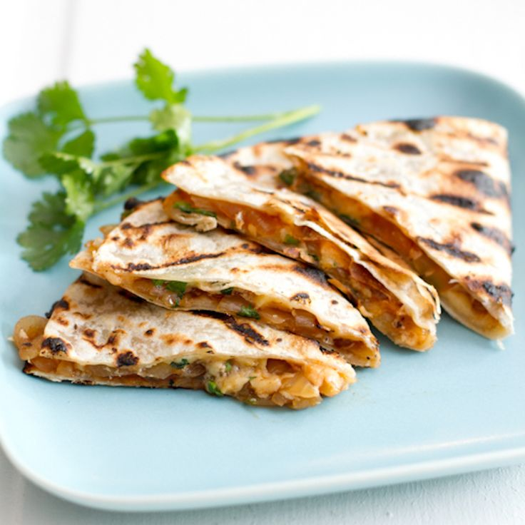 This grilled barbeque and smoked gouda quesadilla is a perfect summer meal. It's simple, filling, and full of delicious flavors! | pinchofyum.com
