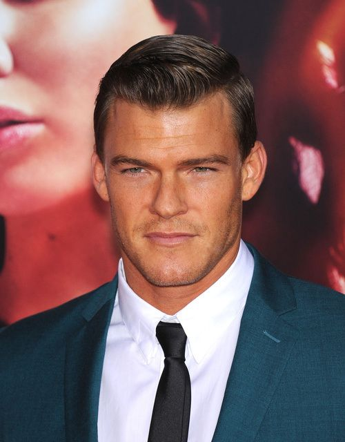 cool side-parted men's hairstyle