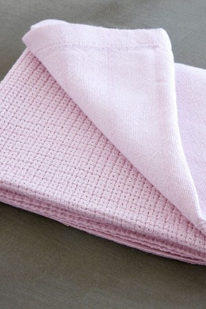 Dusky Pink cellular baby blanket from from Mungo. Soft and pure,