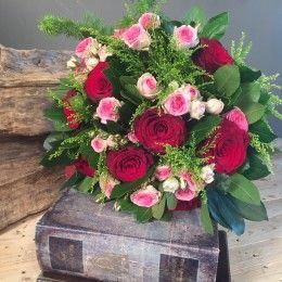 Μπουκέτο Κόκκινα & Ροζ Τριαντάφυλλα http://nedashop.gr/anthopoleio/mpoyketa/mpoyketo-kokkina-roz-triantafylla