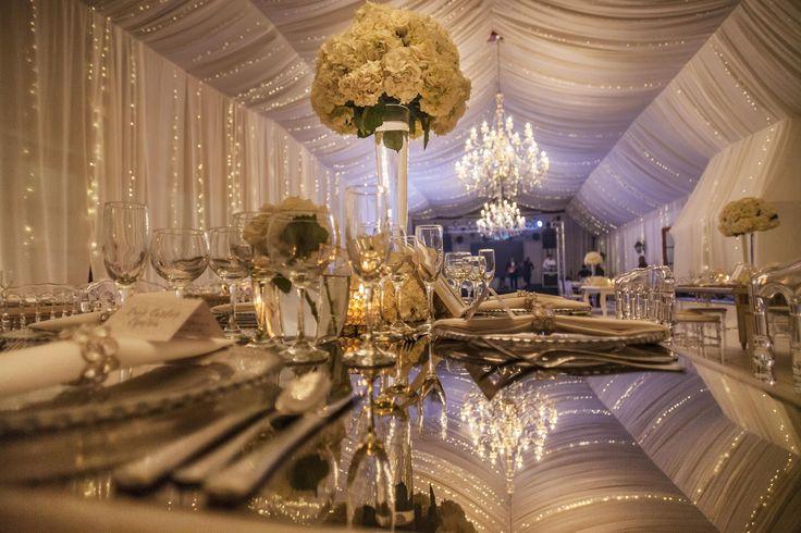 Centerpiece, lights, magic. Wedding reception. Wedding decor. Get inspired. #Boda #DecoraciónBodas