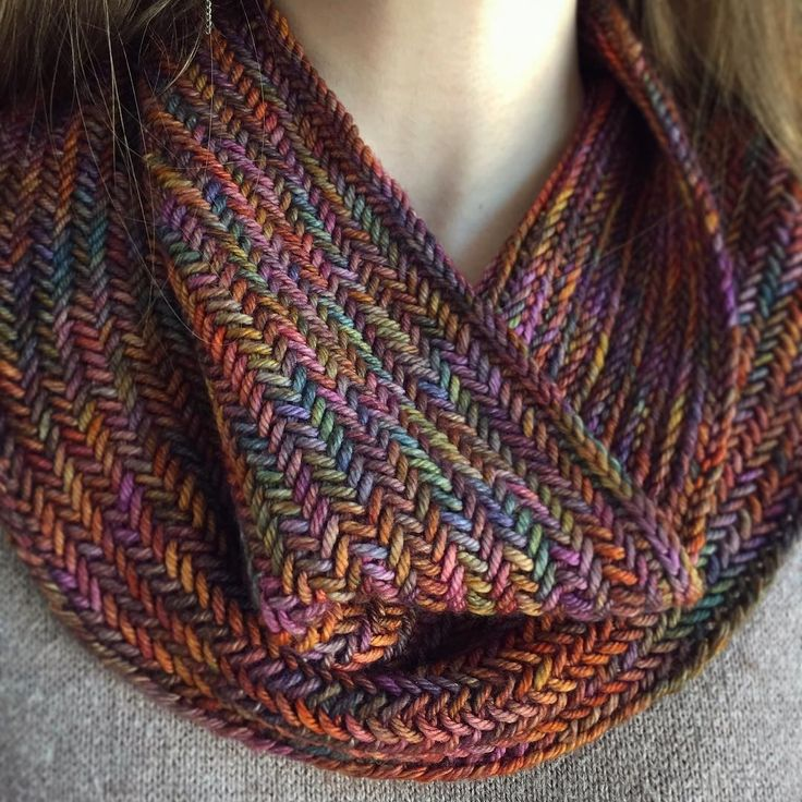 Little Big Herringbone Cowl by Purl Soho, knitted by @eheusserdesigns | malabrigo Rios in Piedras