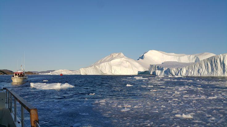 Adrenalin kami terpacu saat melewati gunung-gunung es glacier di Illusat  photo by Kevin @Kevinhartanto13  Ilulissat, Greenland
