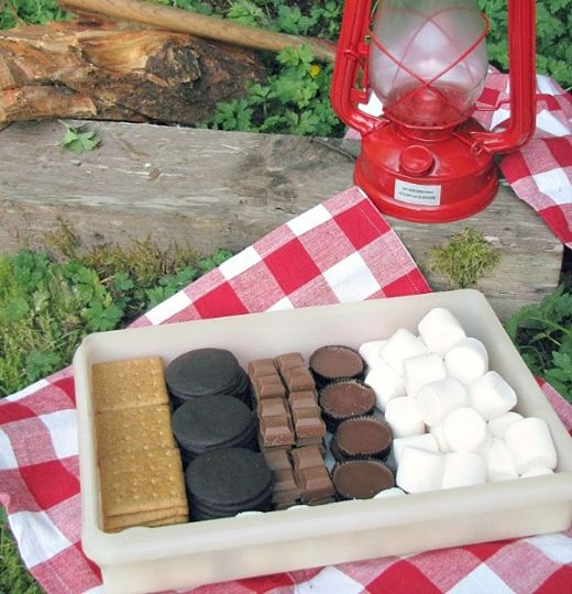 Unwrap all of your s'more supplies and pack it all into one box for easy s'more making!