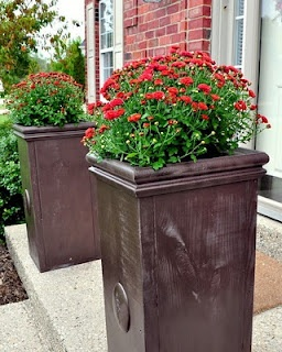 DIY Large Planters: Instead of buying to large (always expenisve) pots for the porch entry build our own?????