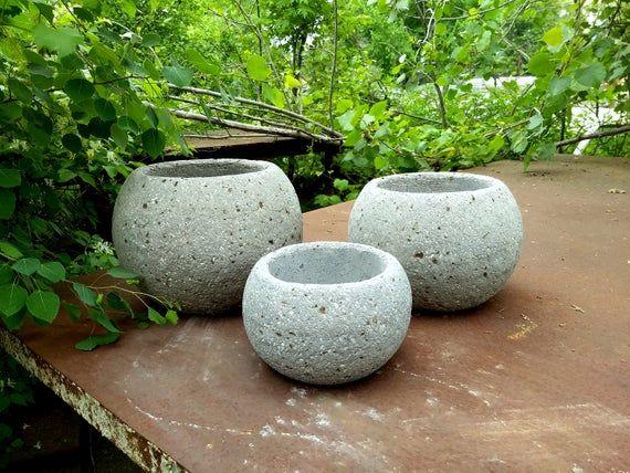 Hypertufa Planters Set Of 3 Succulent Planters Sphere Shaped Lightweight Concrete Planters Outdoor Garden Planters In 2020 Concrete Planters Flower Planters Succulents