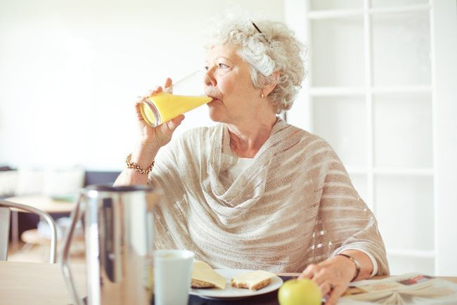 Too many diet drinks may cause heart problems in postmenopausal women: