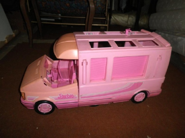 les 25 meilleures id es de la cat gorie camping car barbie sur pinterest barbie camping car. Black Bedroom Furniture Sets. Home Design Ideas