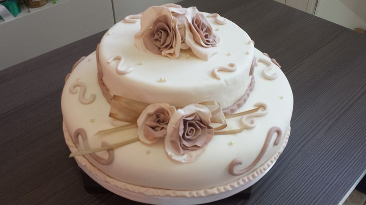 Un matrimonio da favola! Torte e cioccolato d'autore. #Ilfruttodellapassione laboratorio #cioccolato a Battipaglia http://www.ilfruttodellapassione.it/