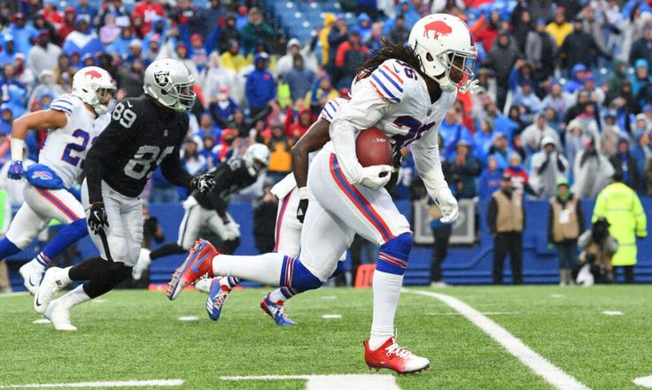 Why Bills are playing better than Patriots right now = The New England Patriots aren't playing their best football but still sit atop the AFC East standings. Amid a current eight-year streak of division titles, New England has.....